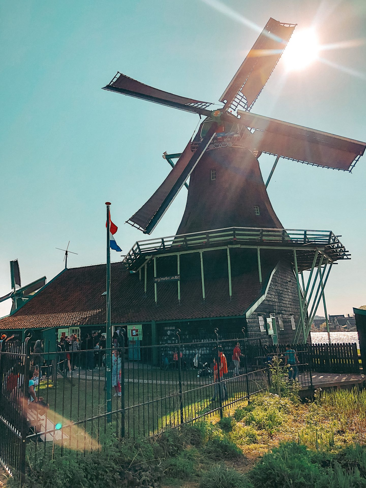 zaanse-schans-netherlands-amsterdam-windmills