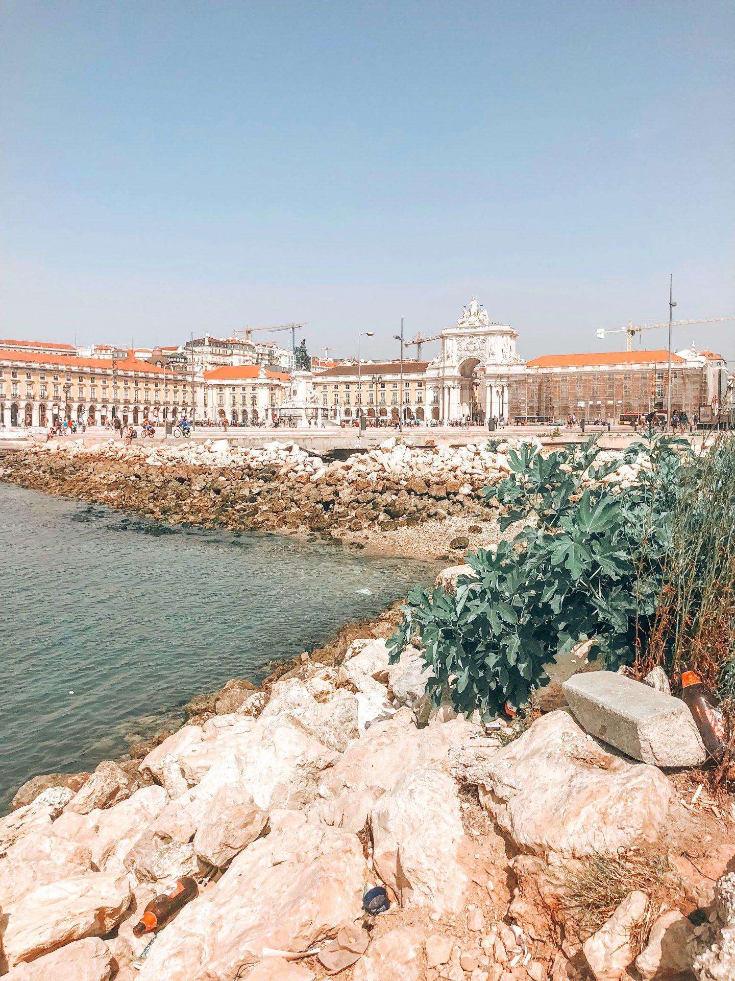 lisbon-praca-do-commercio-romantic-destinations-europe