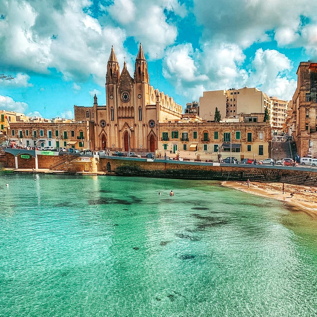 stjulians-malta-paceville-travel-influencer-blogger